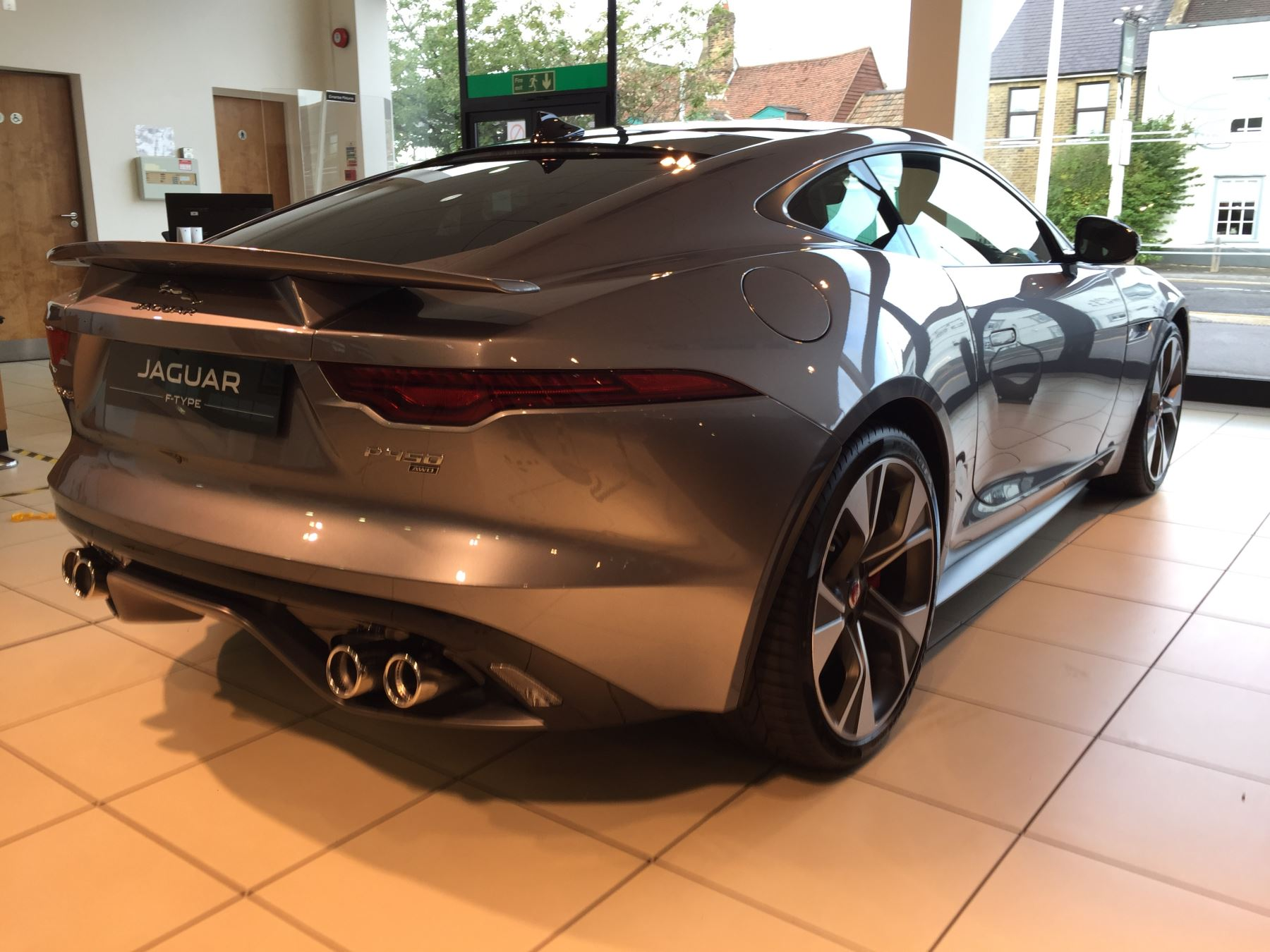 Jaguar F-TYPE 5.0 P450 Supercharged V8 First Edition SPECIAL EDITIONS image 2